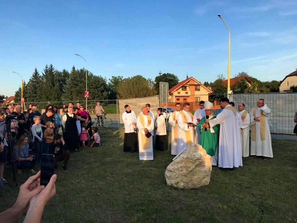 Požehnanie základného kameňa Maranatha Arény