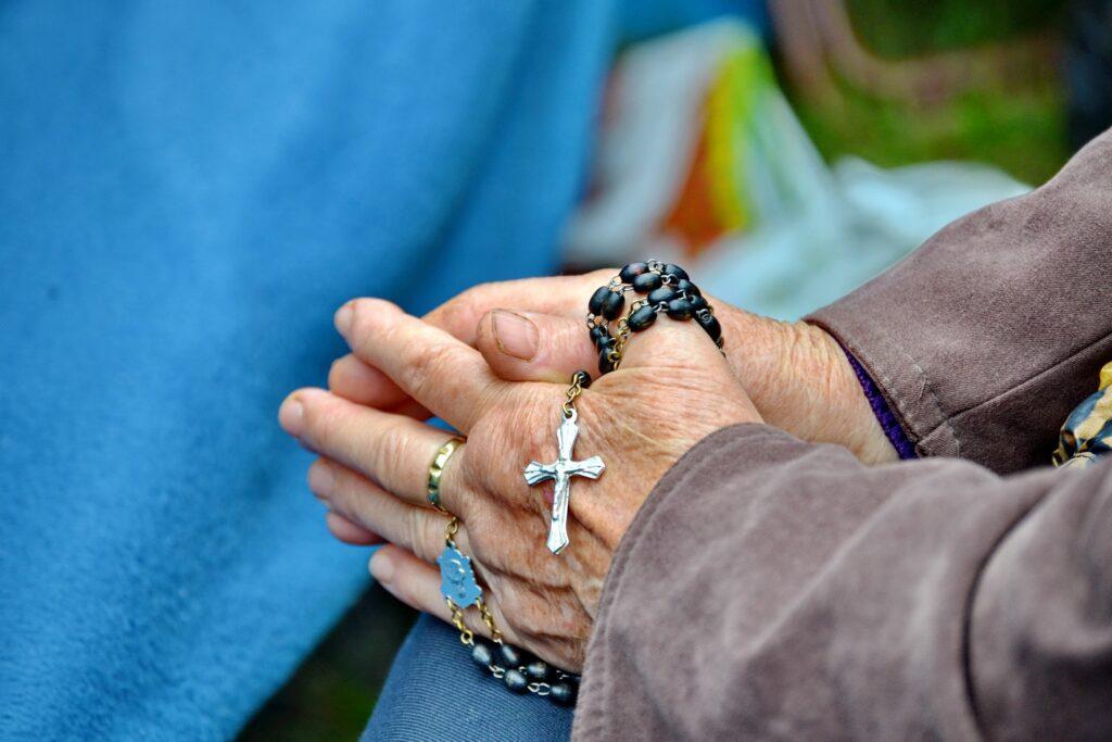 Úplné odpustky spojené s modlitbou sv. ruženca