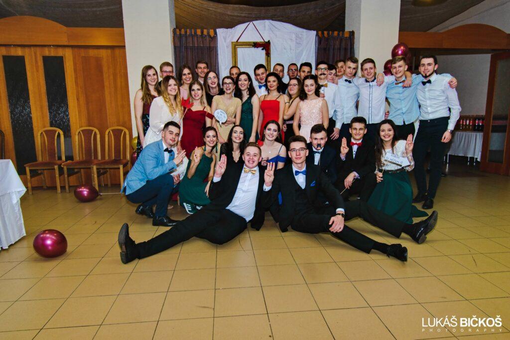 Mládežnícky ples farnosti