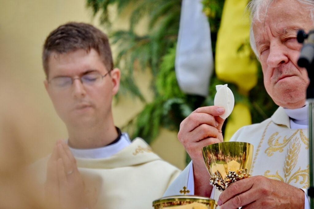 Biskupi udelili dišpenz od povinnej účasti na bohoslužbách